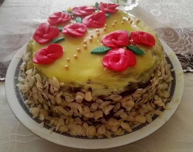 """Świąteczny tort """"karmelowe ferrero"""""""
