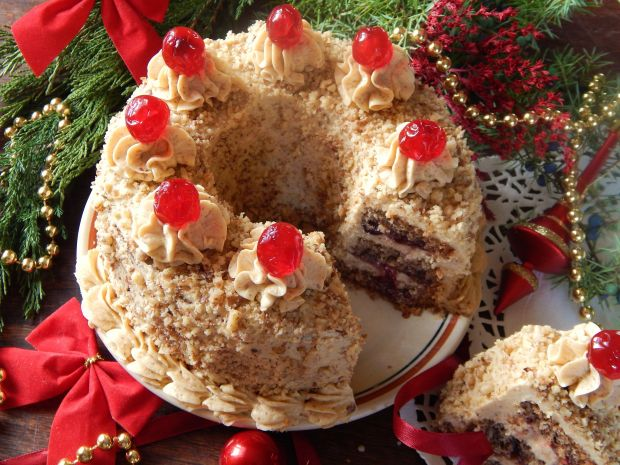 Świąteczny wieniec orzechowo-żurawinowy