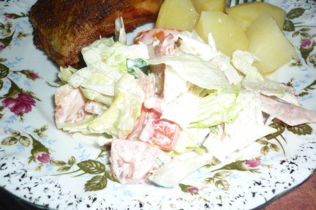 Świeża surówka z natką pietruszki