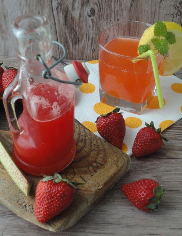 Syrop truskawkowo-rabarbarowy z cytrynką