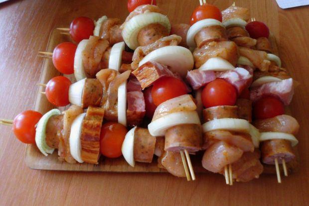Szaszłyki grillowane z pomidorkami