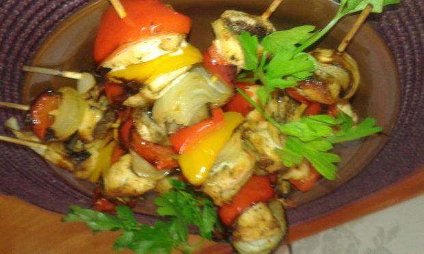 Szaszłyki warzywne z kurczakiem