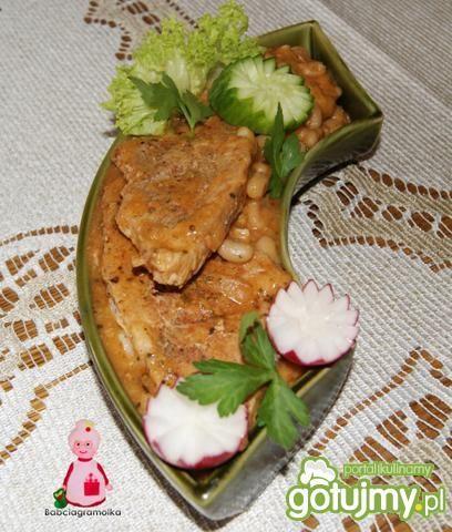 Sznycle wieprzowe z fasolą ;