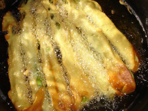 Szparagi w cieście musztardowym