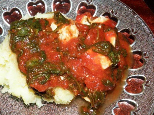 Szpinak w pomidorach z serem feta