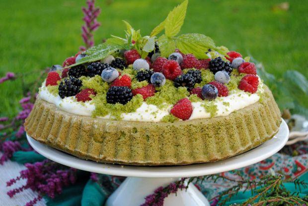 Szpinakowa tarta z owocami lata