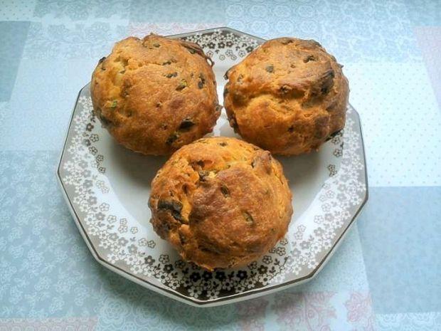 Szpinakowe muffinki z wędliną