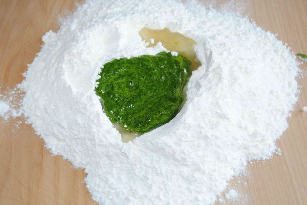 Szpinakowe pierogi na słodko