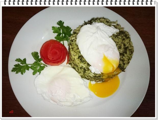 Szpinakowe rizzotto z jajkiem w koszulce