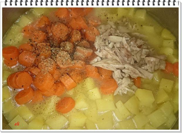 Szpinakowo ziemniaczana kremowa zupa Eli