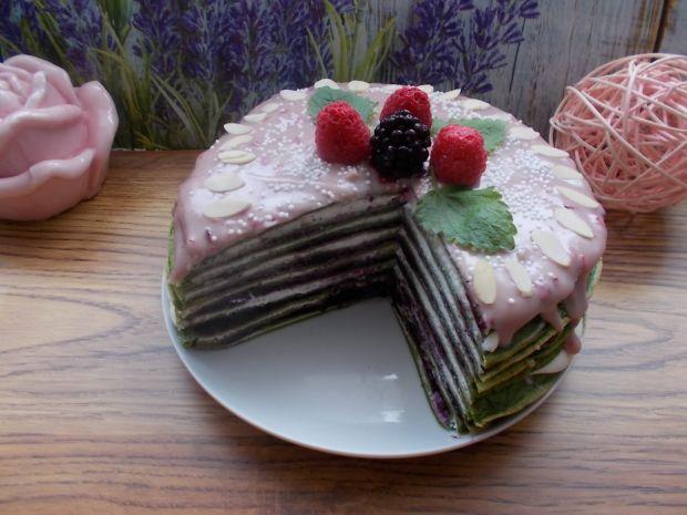 Szpinakowy  tort naleśnikowy