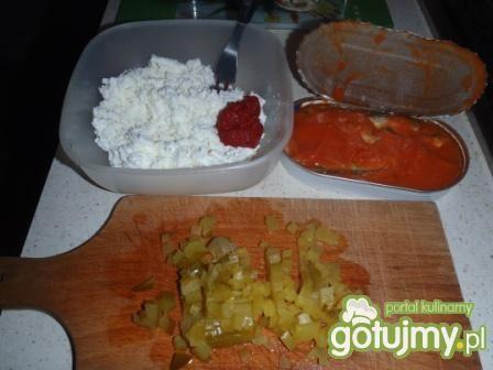 Szybka pasta z ryby w sosie pomidorowym