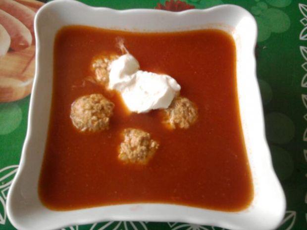 Szybka pomidorówka z pulpecikami