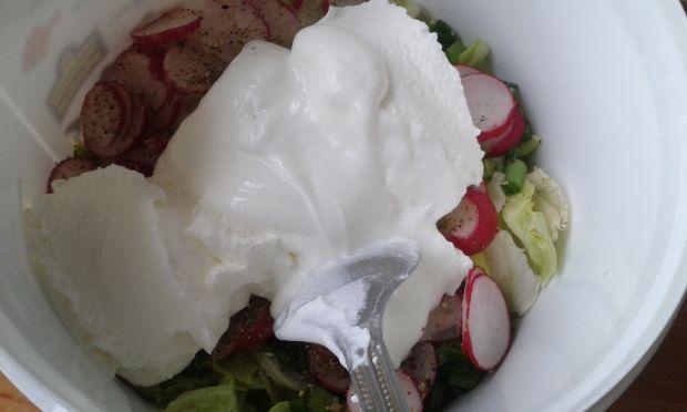 Szybka sałatka obiadowa