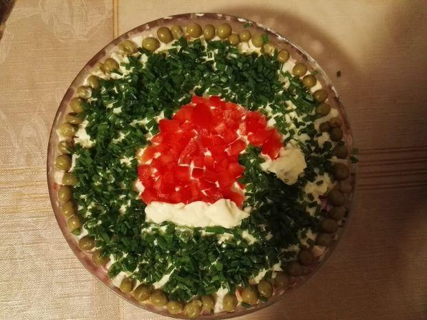 Szybka sałatka z szynką, serem i groszkiem