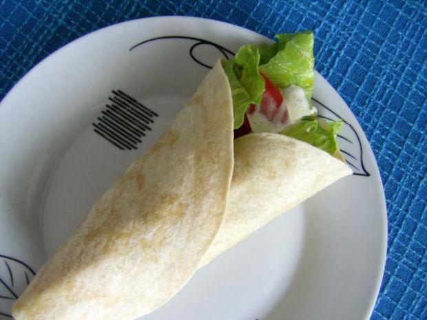 Szybka tortilla z filetem z kurczaka