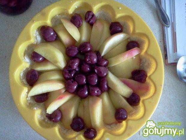 Szybki placek z owocami i kruszonką