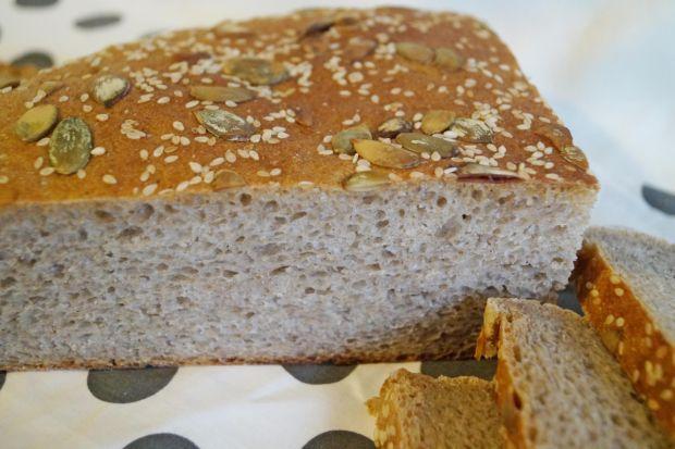 Szybki pszenno-żytni chleb na zakwasie