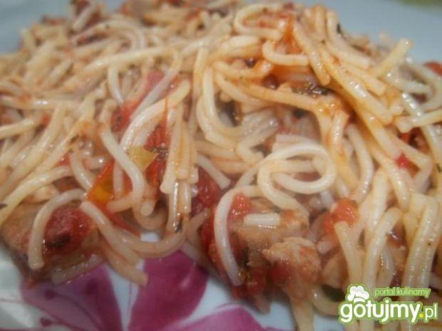 Szybki sos pomidorowy z szynką