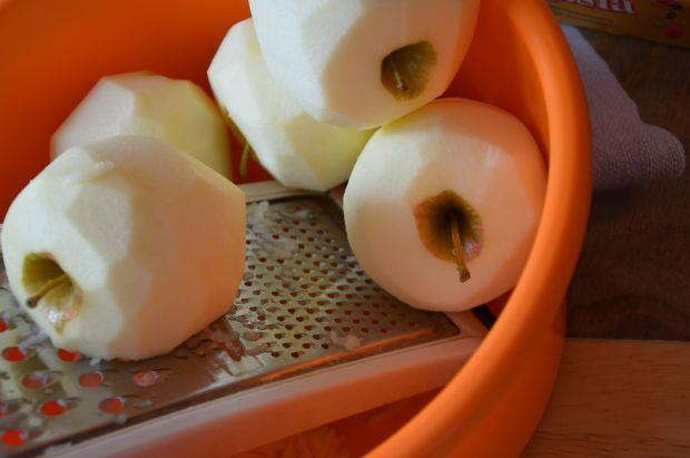 Szybki torcik z masą jabłkową