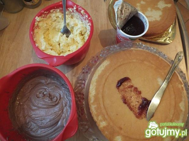 Szybki tort z wiórkami