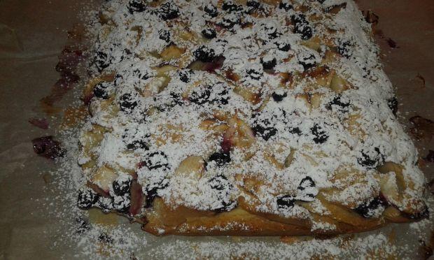 Szybkie ciasto jabłkowo - borówkowe