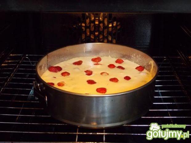 Szybkie ciasto z truskawkami 4