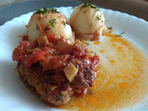 Szybkie gołąbki w sosie pomidorowo-paprykowym
