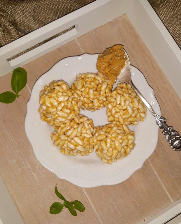 Szyszki z masłem orzechowym