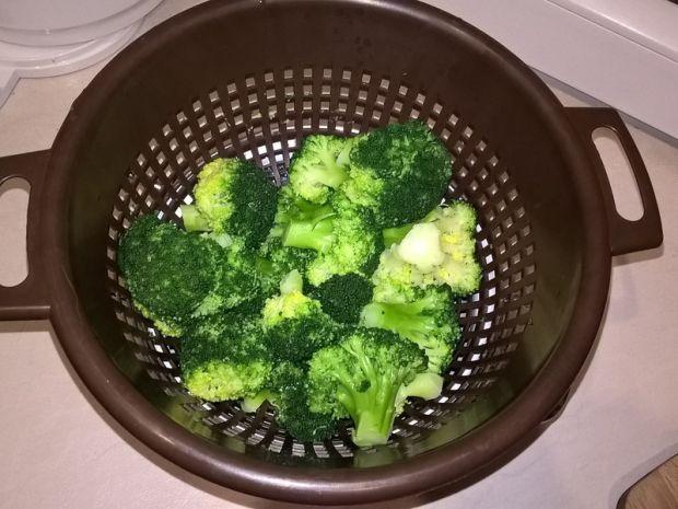 Tagliatelle z indykiem, gorgonzolą i brokułami