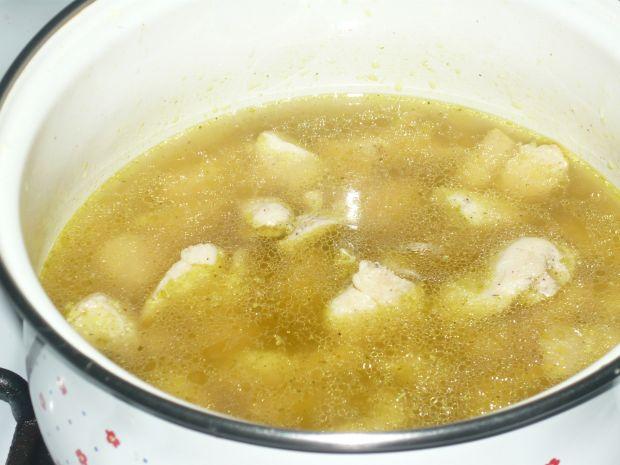 Tagliatelle z kurczakiem i sosem śmietanowym