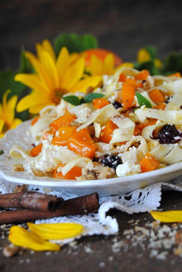 Tagliatelle z serem i karmelizowaną dynią