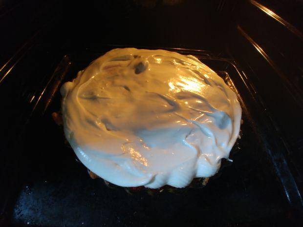 Tarta bórowkowo - malinowa z pianką bezową