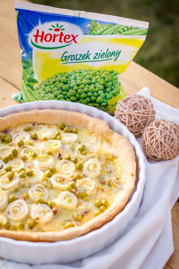 Tarta cebulowa z zielonym groszkiem