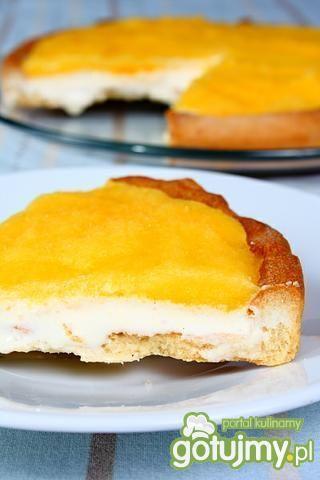 Tarta lodowa z sosem mango.