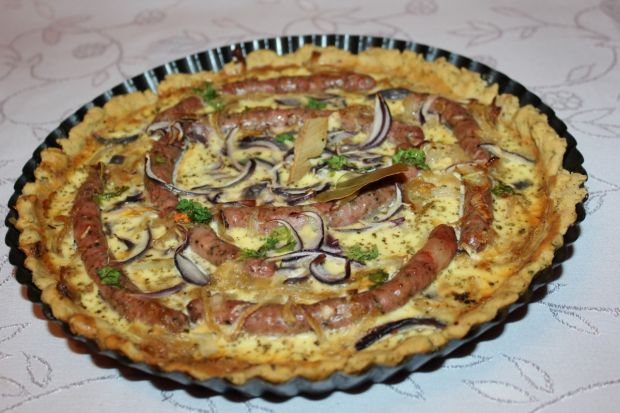 Tarta majerankowa z białą kiełbasą