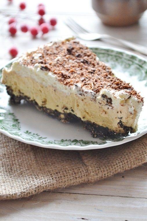Tarta z ciastkami Oreo i masłem orzechowym