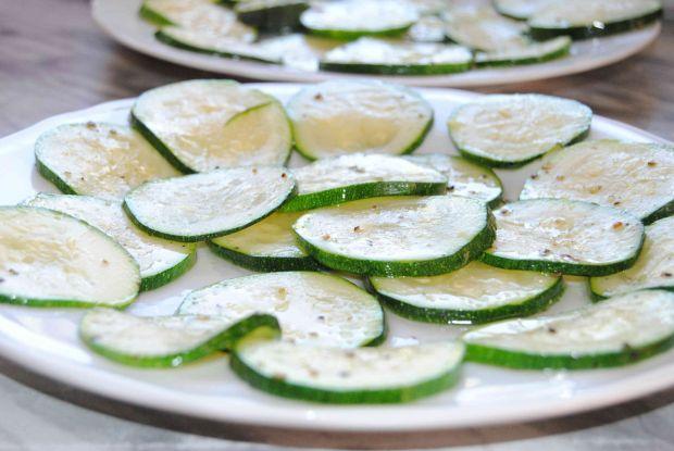 Tarta z cukinią i zielonym groszkiem