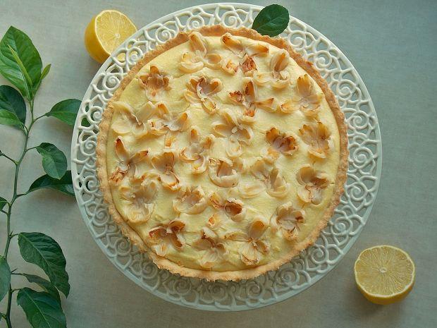 Tarta z gotowanym sernikiem cytrynowym i liczi