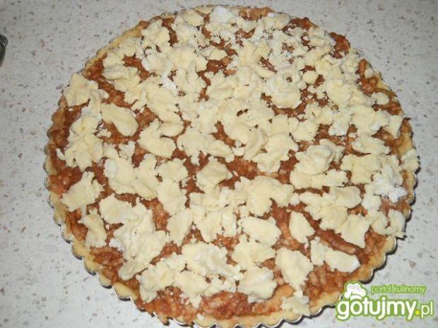 Tarta z jabłkami cynamonem i kruszonką