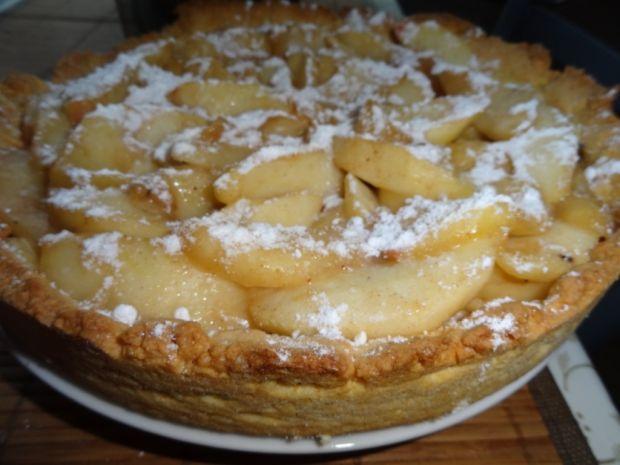 Tarta z jabłkami i cynamonem