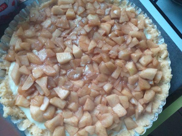 Tarta z jabłkami i spodem budyniowym