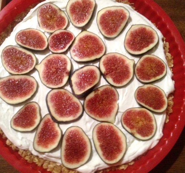 Tarta z mascarpone i figami