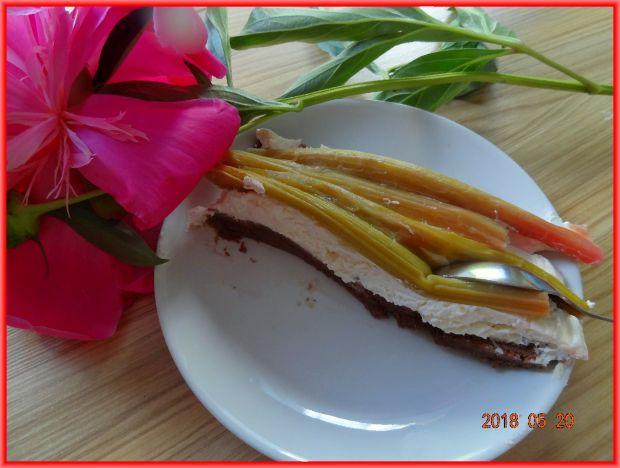 Tarta z rabarbarem bez pieczenia