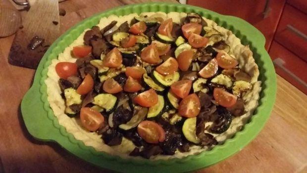 Tarta z rydzami,cukinią i pomidorkami koktajlowymi