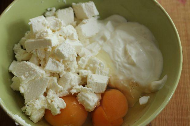 Tarta ze szpinakiem i jajem