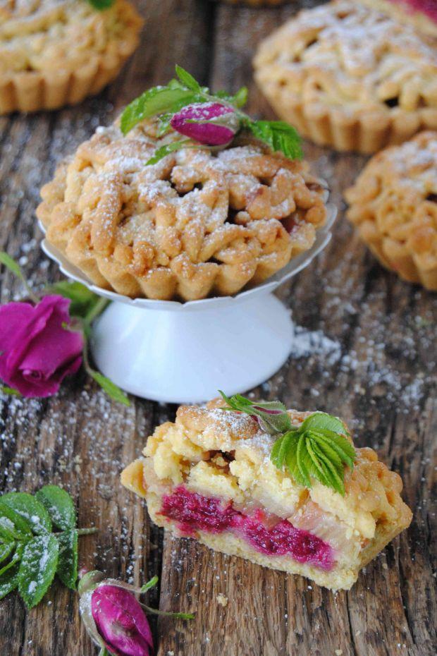 Tartaletki różano - rabarbarowe