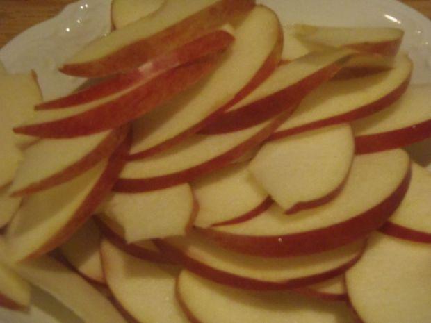 Tartaletki z herbacianymi różami z jabłek
