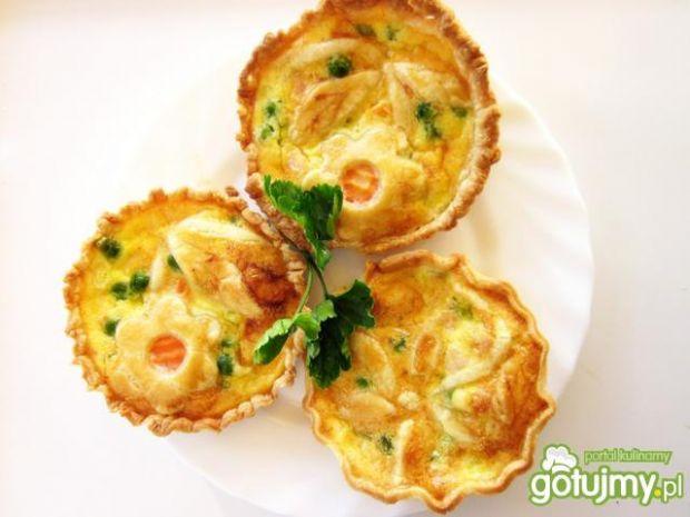 Tartaletki z warzywami i szynką