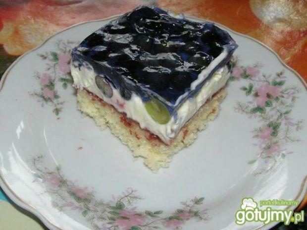 Tęczowe ciasto z owocami